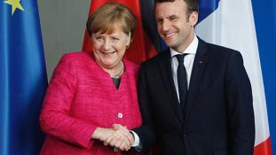 Macron és Merkel közös felhívása – videó