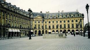 Fejszével törtek be a luxusszállodába: 4 millió euró a zsákmány