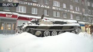 Tankkal ment piáért – videó