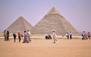 pyramids-2499780_960_720