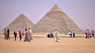 Hiába ígérték – a piramisoknál minden változatlan
