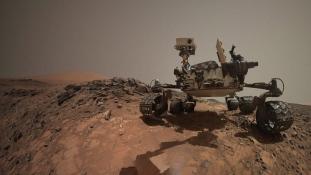 Soha nem látott fotókat közölt a NASA a Mars felszínéről