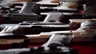 Norvégiában 2021-től betiltják a félautomata fegyvereket