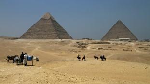 Így turbózzák fel a gízai piramisok környékét