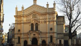 Lengyelország befagyasztja az elkobzott zsidó javak visszaadásáról szóló törvényt
