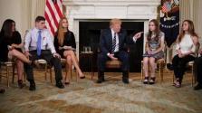 Trump javaslata: a tanárok viseljenek fegyvert! – videó