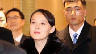 Megérkezett Dél-Koreába a diktátor húga – videó