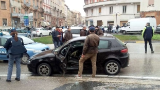 Elfogták a migránsokra lövöldöző bőrfejűt Itáliában – videó