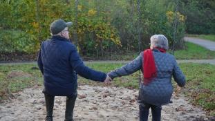 Nyugdíjasok inváziója a randipiacon