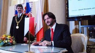 Lemondott a belügyminiszter a meggyilkolt újságíró miatt Szlovákiában