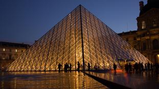 Kiállítás a párizsi Louvre remekműveiből Teheránban – videó