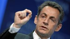 Sarkozyt vallatják: hol van Kadhafi pénze?