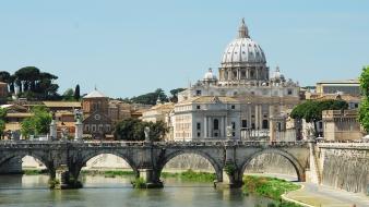 Vatikáni bíborost vádolnak gyerekek molesztálásával Ausztráliában