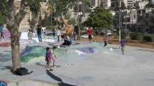 Skatepark menekült gyerekeknek – videó