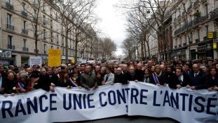Tüntetés az antiszemitizmus ellen Párizsban