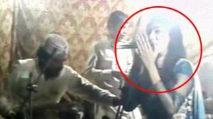 Lelőttek egy terhes énekesnőt Pakisztánban