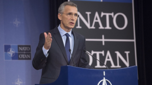 A NATO főtitkára az orosz hadgyakorlatról: nem akarunk új hidegháborút