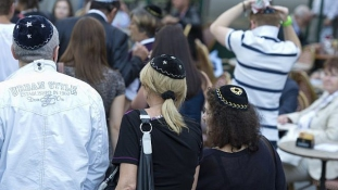 Berlin kipát viselt – több mint 2.000 résztvevő