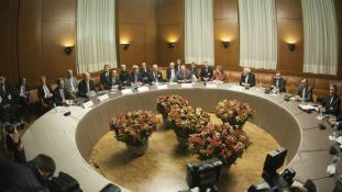 Irán nem módosítja a nukleáris egyezményt