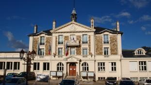 A berúgott polgármester szamurájkarddal fenyegette a romákat Franciaországban