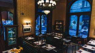 Premier Budapesten – kávéházak éjszakája