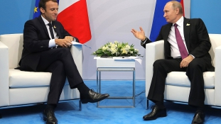 Macront tartják a Nyugat képviselőjének Oroszországban