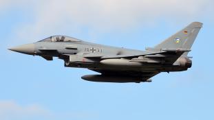 Csak négy harcképes gépe van a német légierőnek