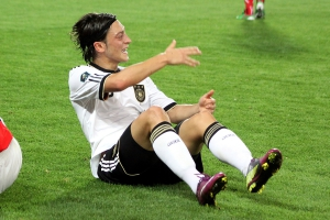 Mesut_Özil,_Germany_national_football_team_(06)