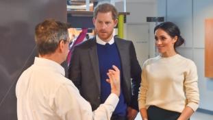 Nem győznek bocsánatot kérni – négercsókot csináltak Sussex új hercegnőjéből