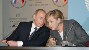Trump iráni döntése után Merkel és Putyin újra egymásra talált