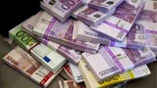 36.000 euró a gyóntatófülkében
