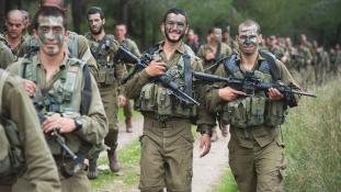 Izraeli ejtőernyősök is részt vesznek a NATO-hadgyakorlaton Oroszország határainál