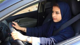 Szombattól: nők a volánnál – csendes forradalom Szaúd-Arábiában / videó