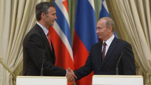 NATO főtitkár: nem akarunk új hidegháborút Moszkvával