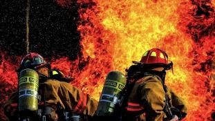 Egy nagyi és két unokája is a tűz áldozata lett Kaliforniában – videó
