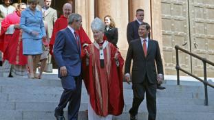 A pápa elfogadta a pedofíliával vádolt amerikai bíboros lemondását