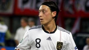 Miért nem vállalja tovább a német válogatottságot Mesut Özil?
