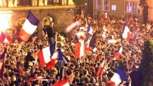 Maximális készültség a hétvégén Franciaországban