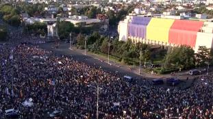 Tömegtüntetés a korrupció ellen Bukarestben