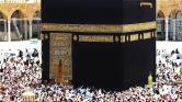 2 millió muzulmán kezdte meg a mekkai zarándoklatot az iszonyatos hőségben – videó