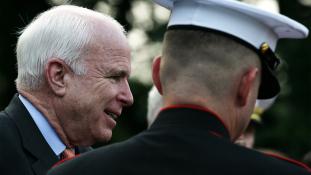 Gyász: meghalt John McCain szenátor