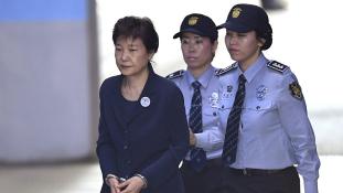 25 év börtön korrupcióért a volt elnök asszonynak