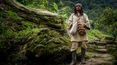 Belehalt egy angol fiú a sámán varázsitalába