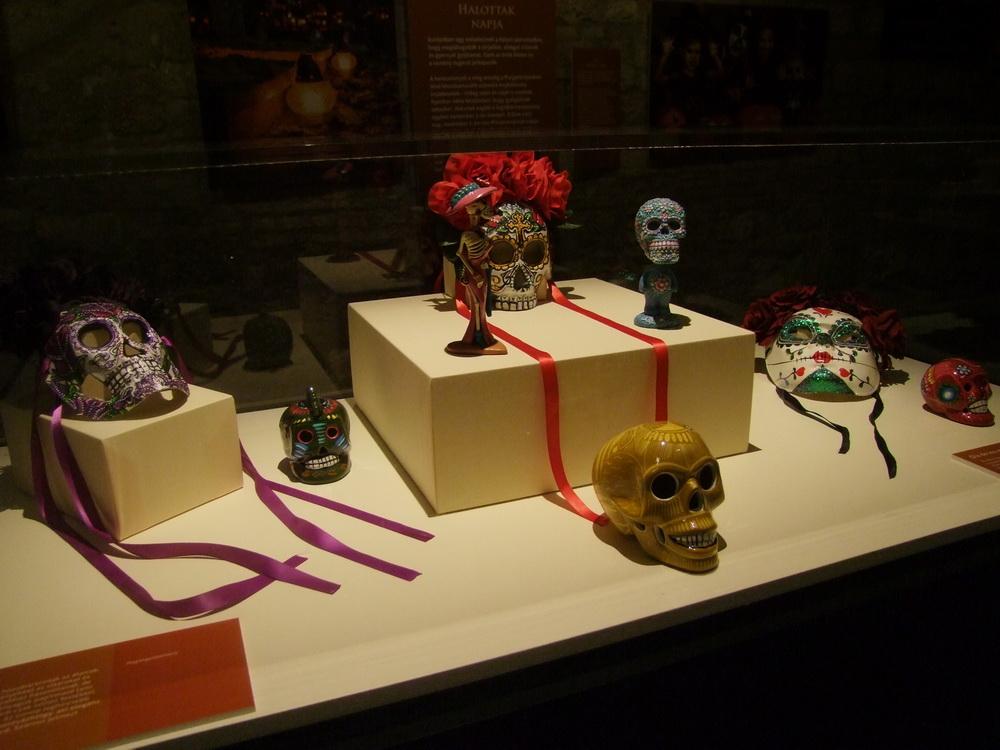 mexikói halottak napi tárgyak