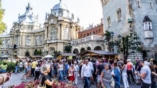 Egy nap Thaiföldön – Budapesten
