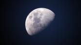 Japán milliárdos az első űrturista, aki Hold körüli útra indulhat