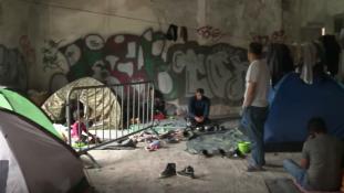 Az ENSZ fedélt sürget a menekültek feje fölé a télre Boszniában