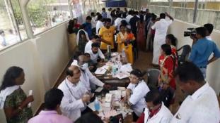 Az árvíz után szörnyű kór szedi az áldozatait Indiában