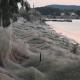 Gigantikus pókháló borítja a görög tengerpartot