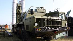 Izrael az új orosz rakétavédelmi rendszer ellenére is támadja Szíriát